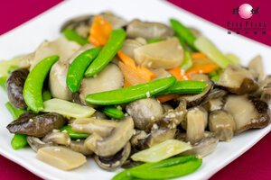 Pan Fried Mushroom with Lotus Root and Snow Peas
