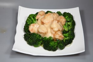 Salad Prawns with Broccoli