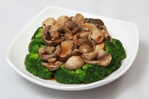 Mushrooms with Broccoli